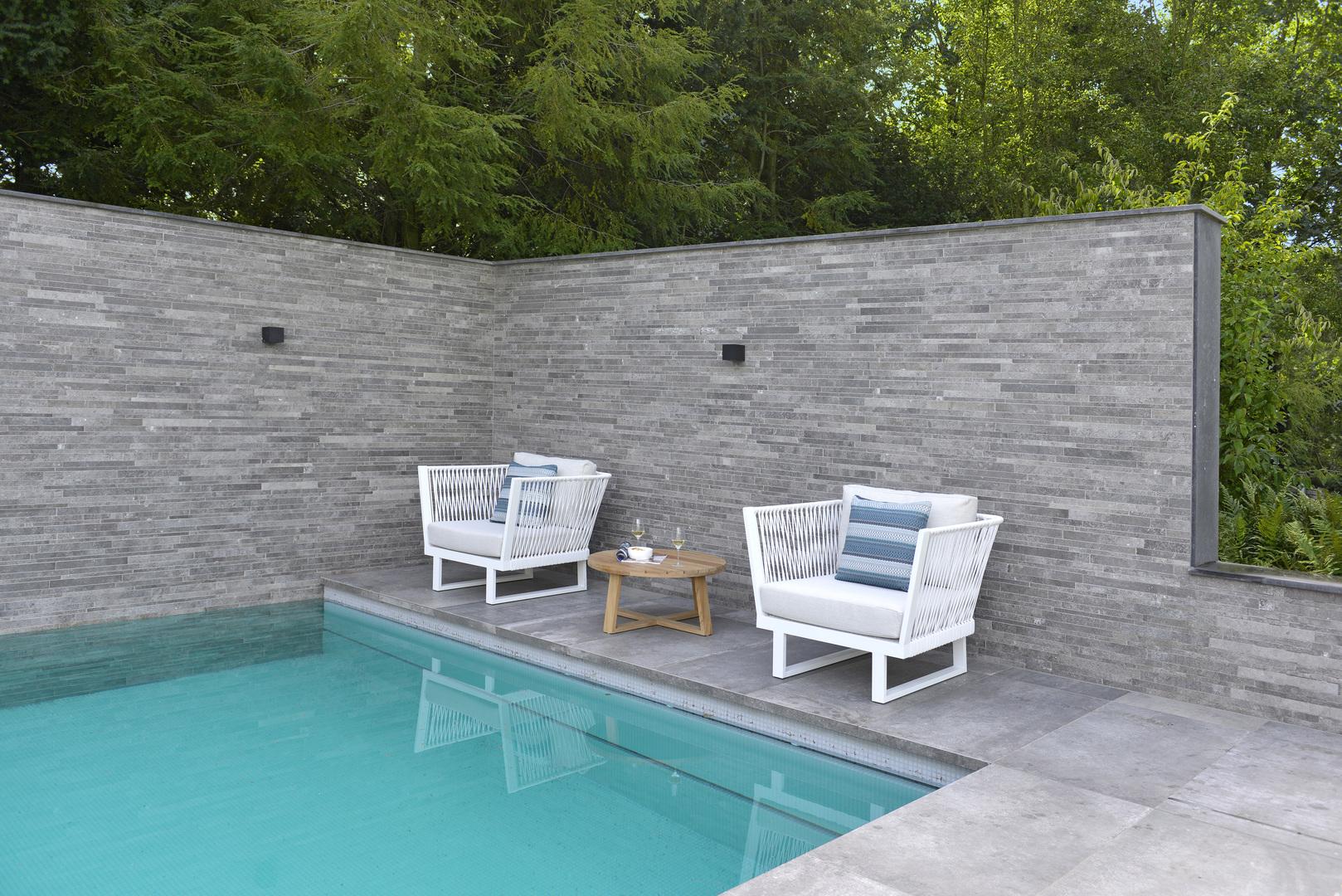2020 Borek Ardenza belt Altea lounge chair Studio Borek - Teak Lasize coffee table Studio Borek (close-up).jpg