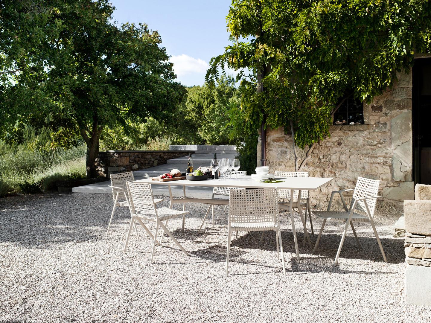 Branch-dining-table-linen.jpg