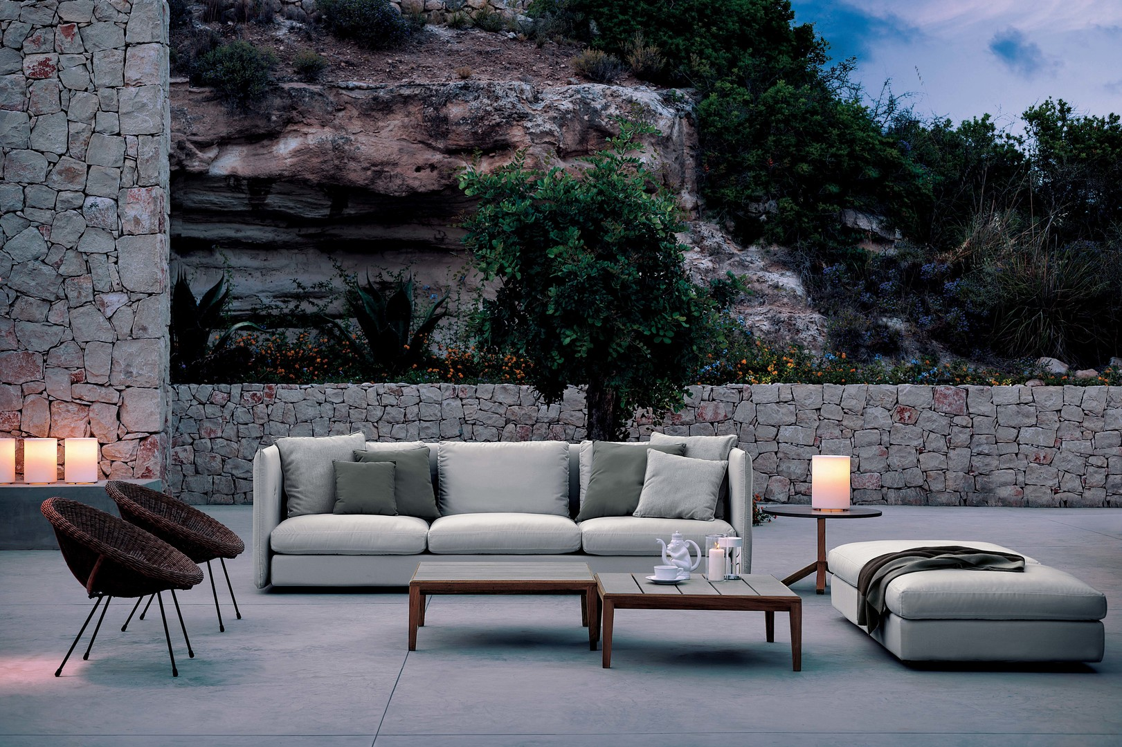 10_DOUBLE sofa_RODA.jpg
