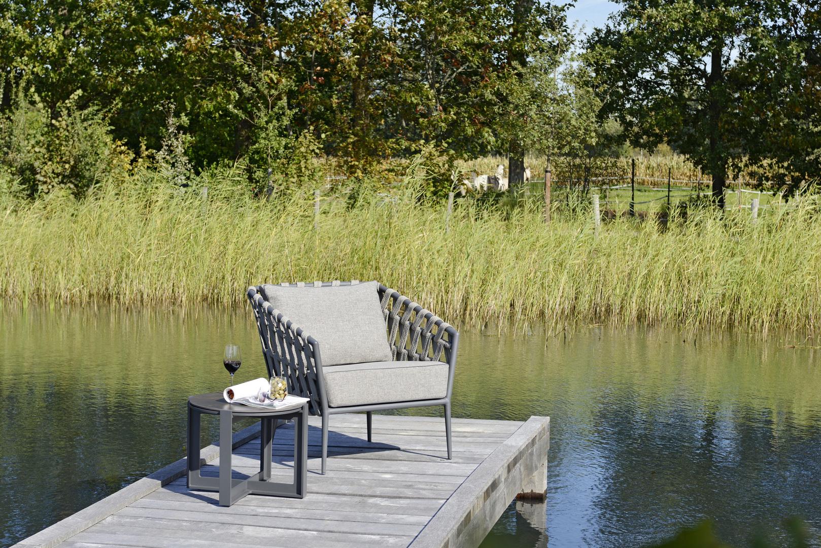2019 Borek Ardenza belt Tavira lounge chair Studio Borek - Dekton Faro side table Bertram Beerbaum (close-up) (1).jpg