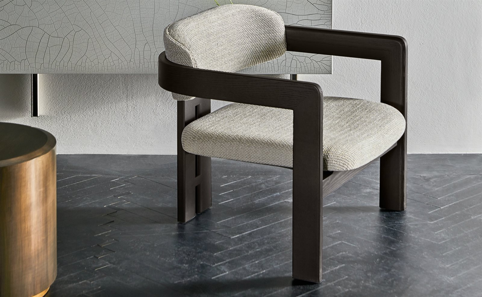 Gallotti & Radice 0417 armchair sfeer.jpg