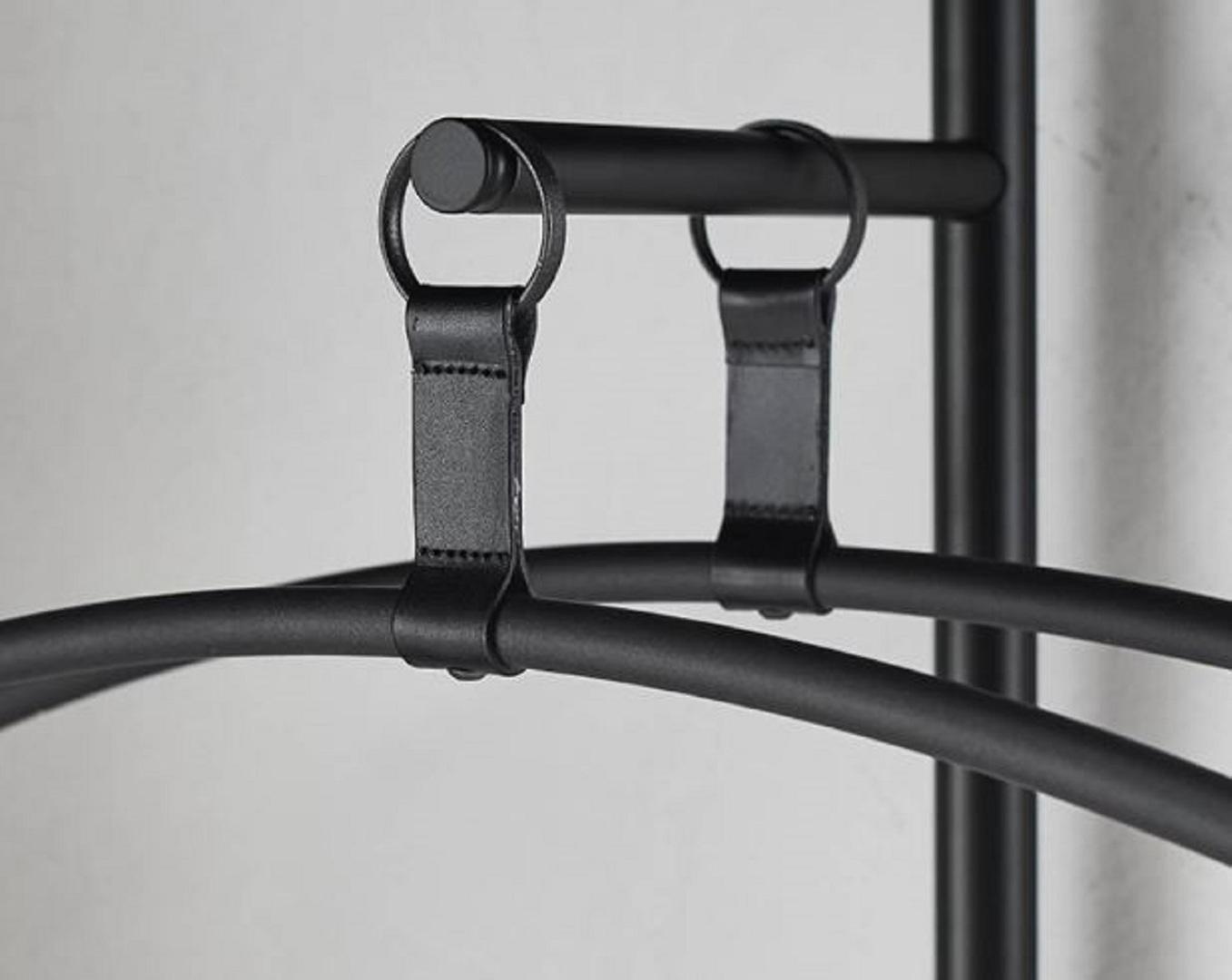 aero v + hangers.JPG