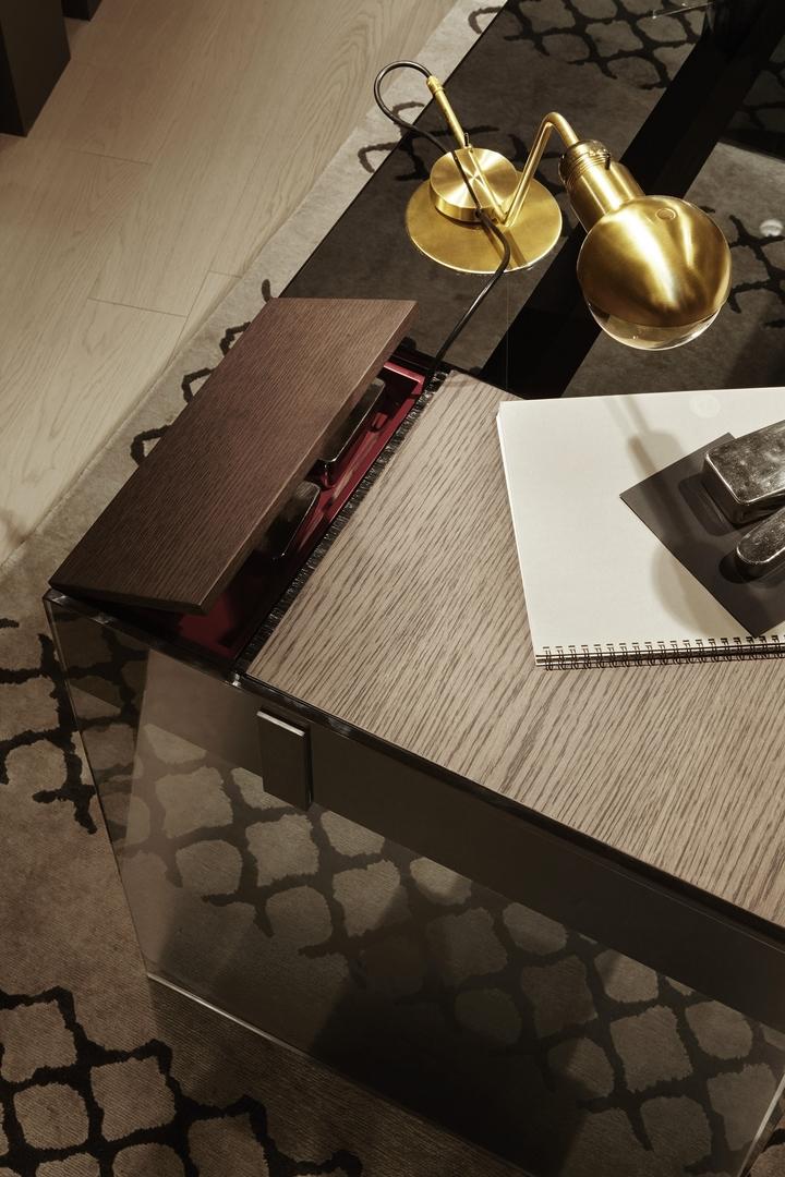 Air desk w.jpg