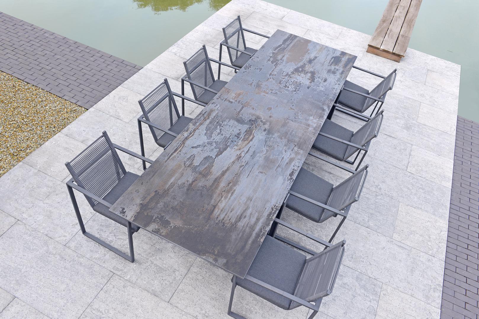 2018 Borek Dekton Faro table Bertram Beerbaum - rope Andria chair Studio Borek.jpg
