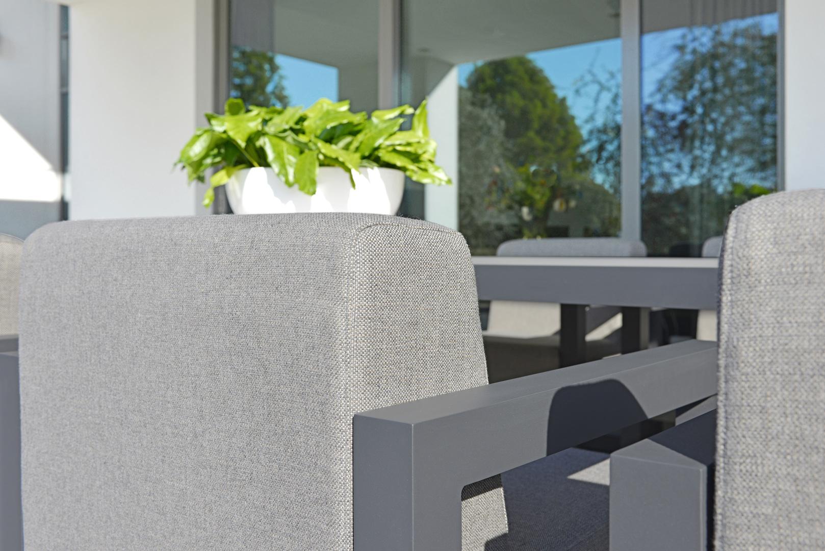2017 Borek alu outdoor fabric Bergen chair detail-1.jpg