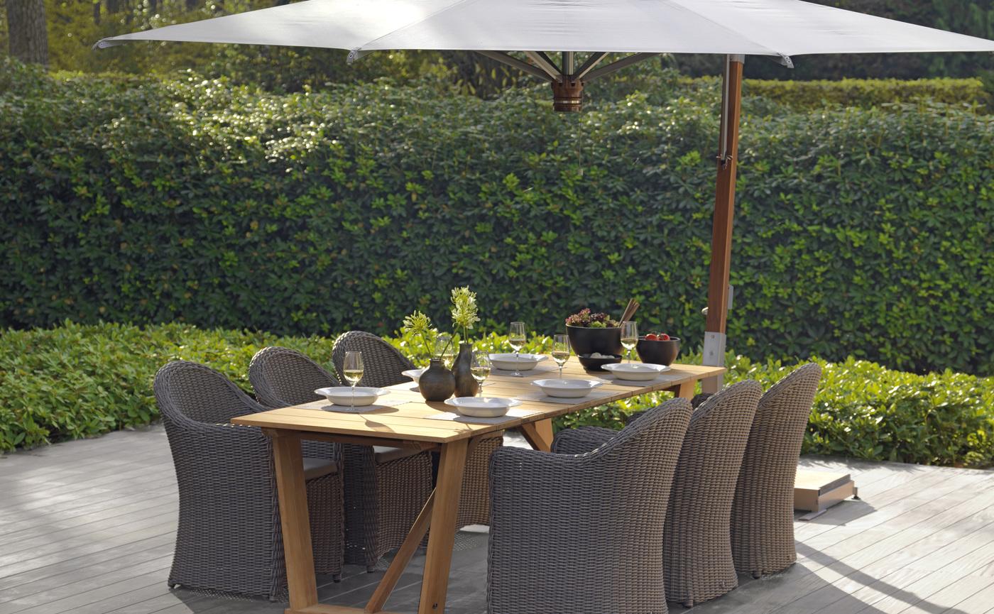 2016 Borek side post parasol Capri Bali chair Roma table.jpg