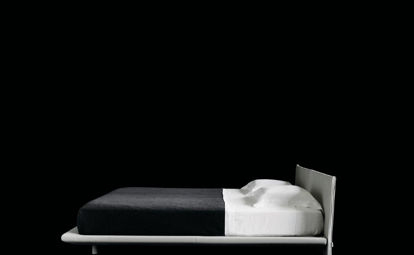 Chemise bed Living Divani 3.jpg