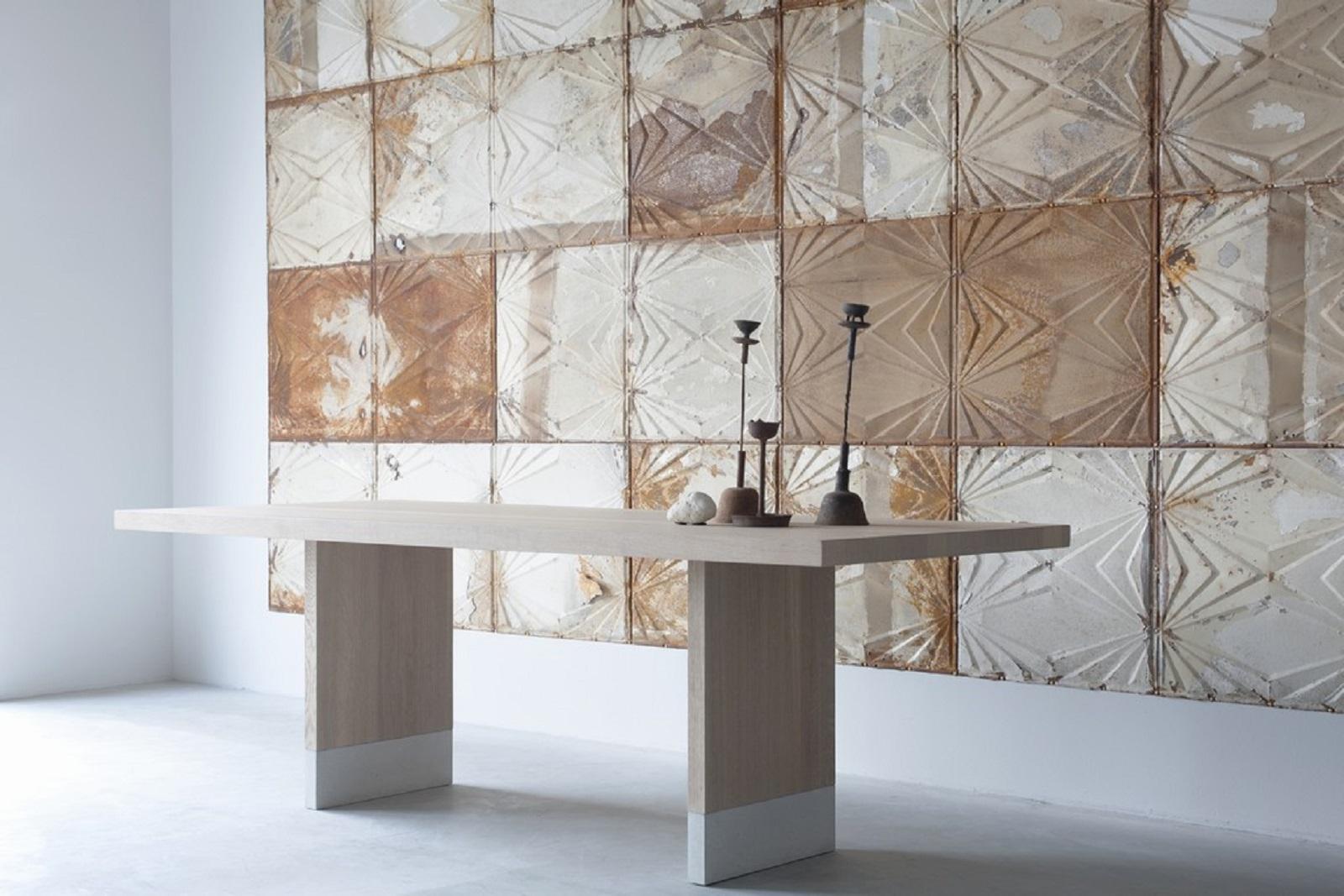 Common dining table (4) grooit.jpg