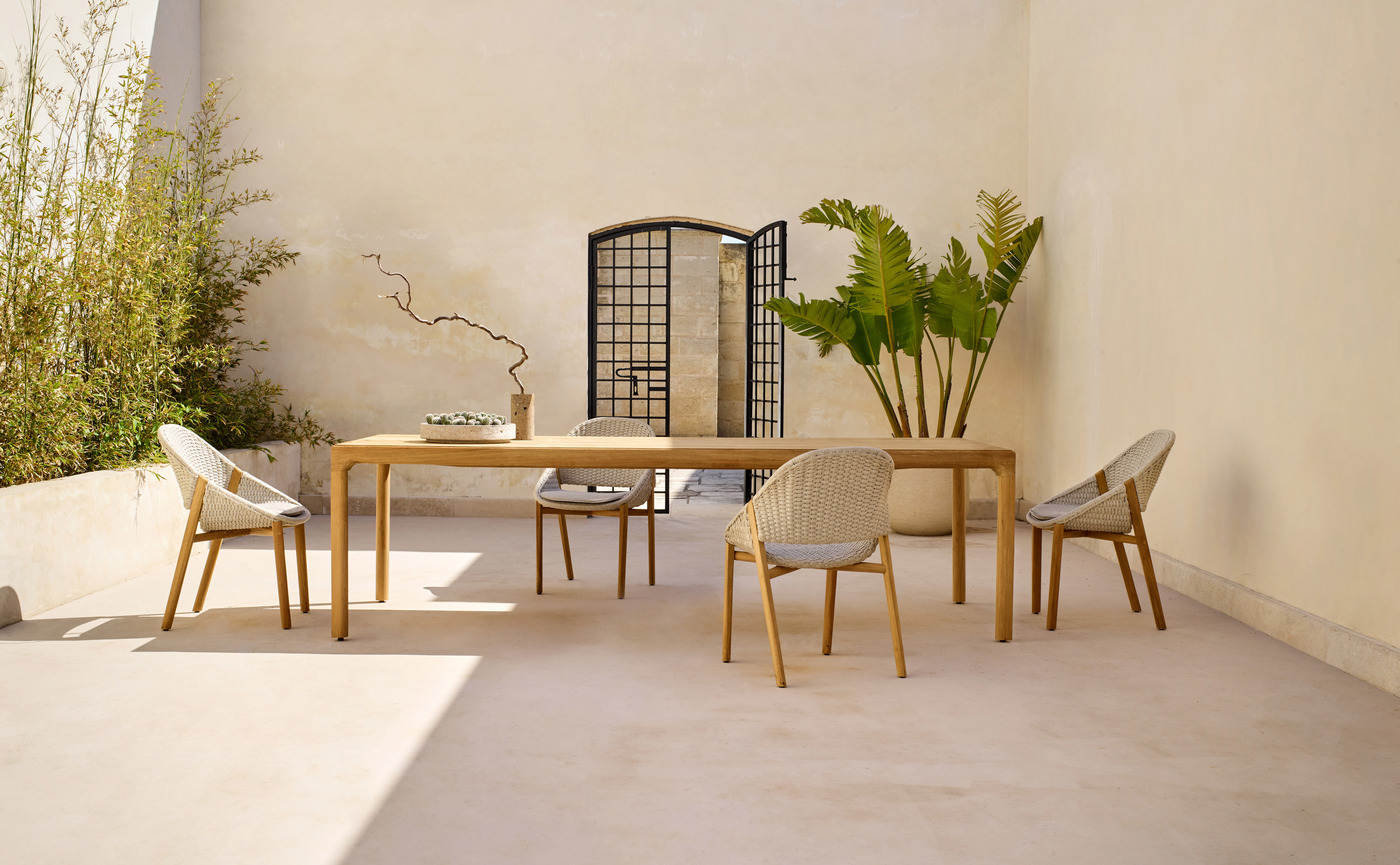 elio_armchair_illum_dining_table_teak_a_0.jpg