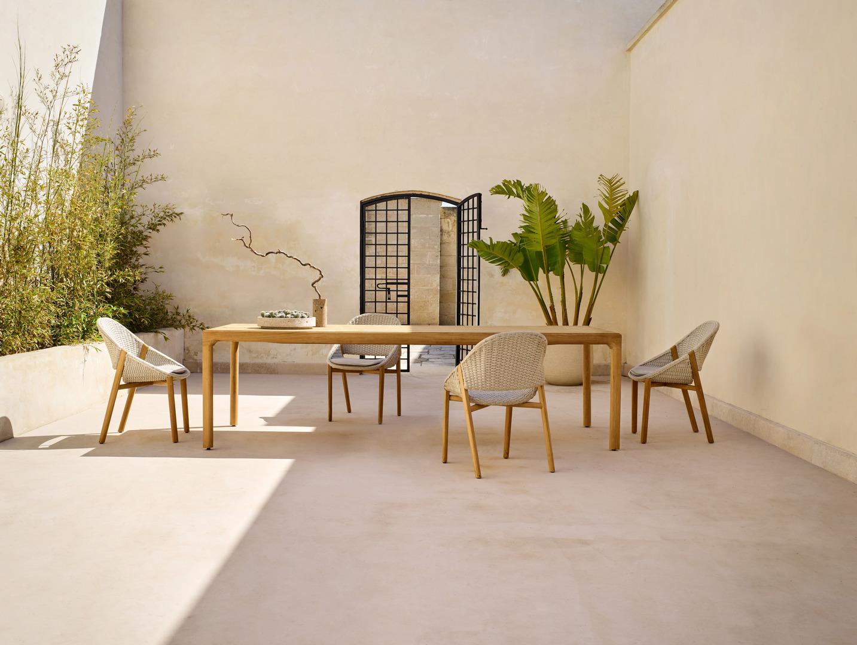 elio_armchair_illum_dining_table_teak_a_0.jpg