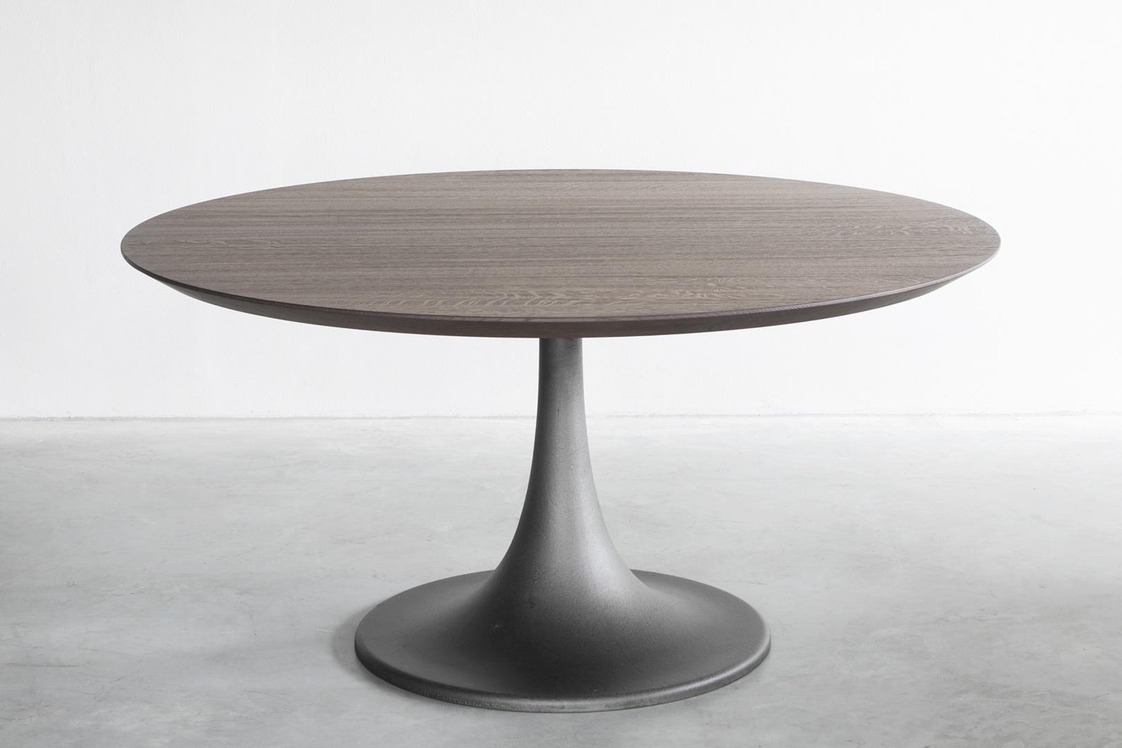 Crude iron dining table - 01.JPG
