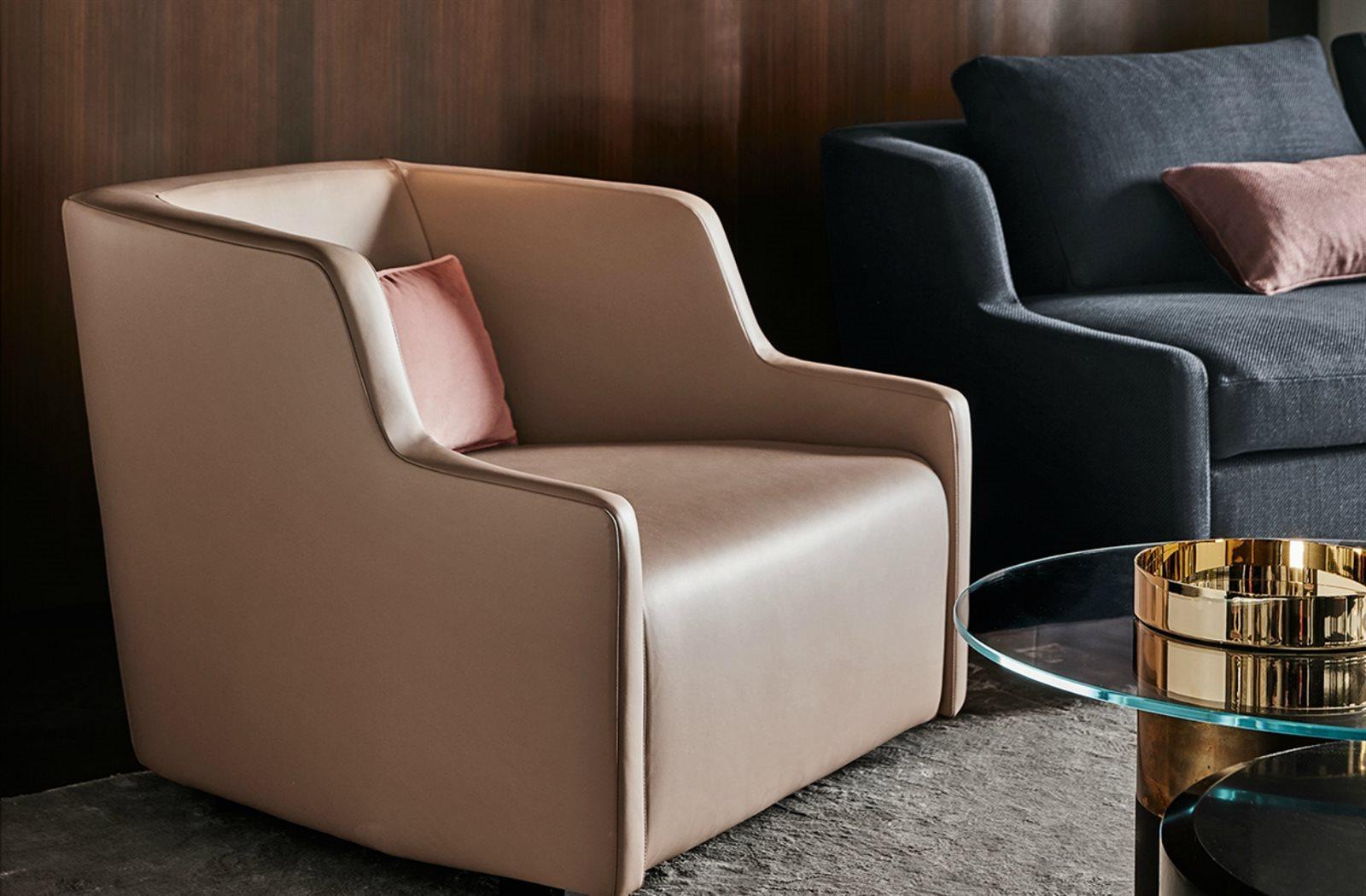 Gallotti & Radice First Poltrona armchair sfeer.jpg