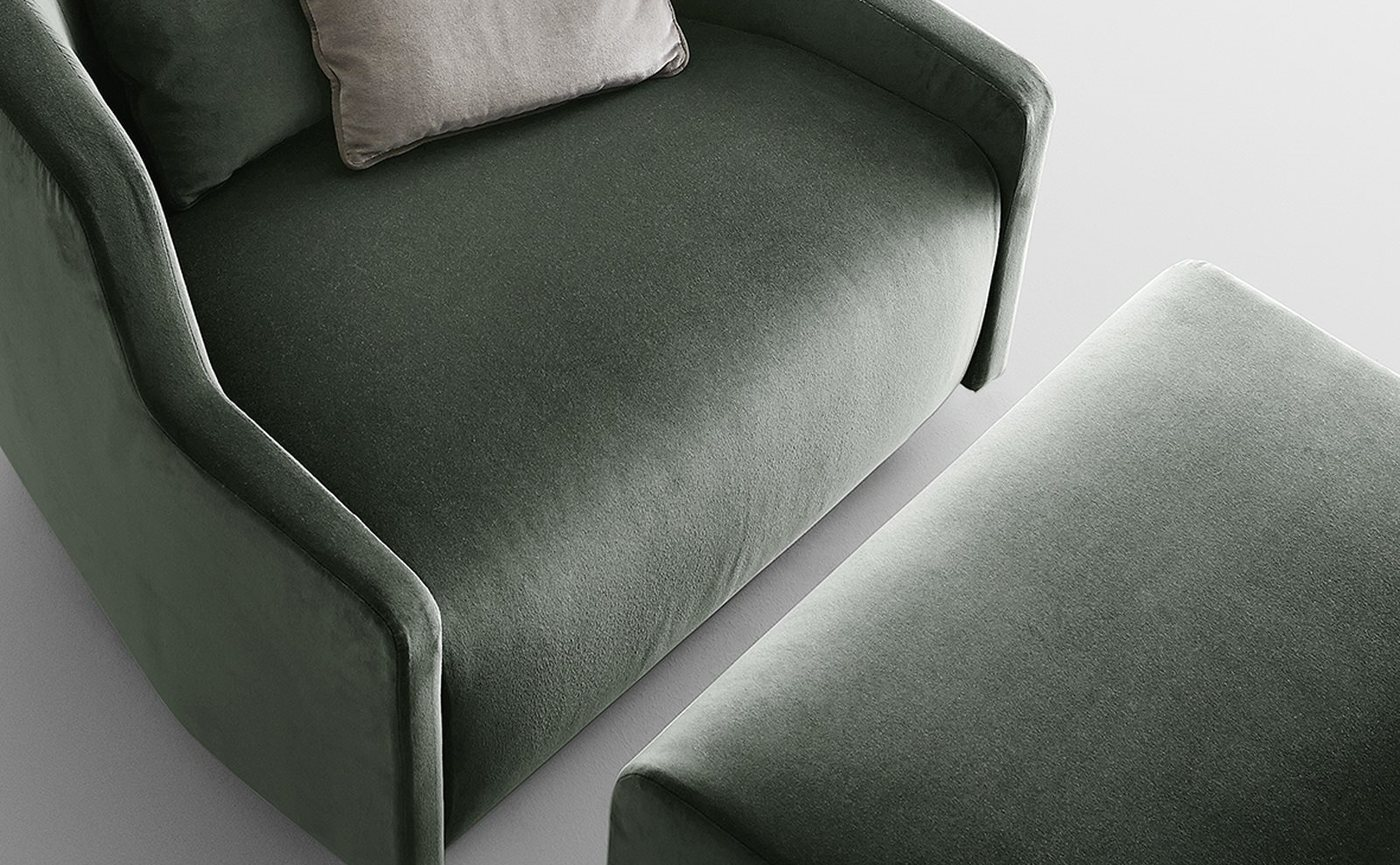 Gallotti & Radice First Poltrona armchair sfeer 2.jpg