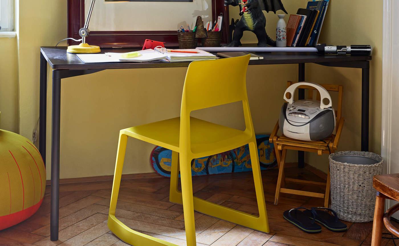 Home desk 2.jpg