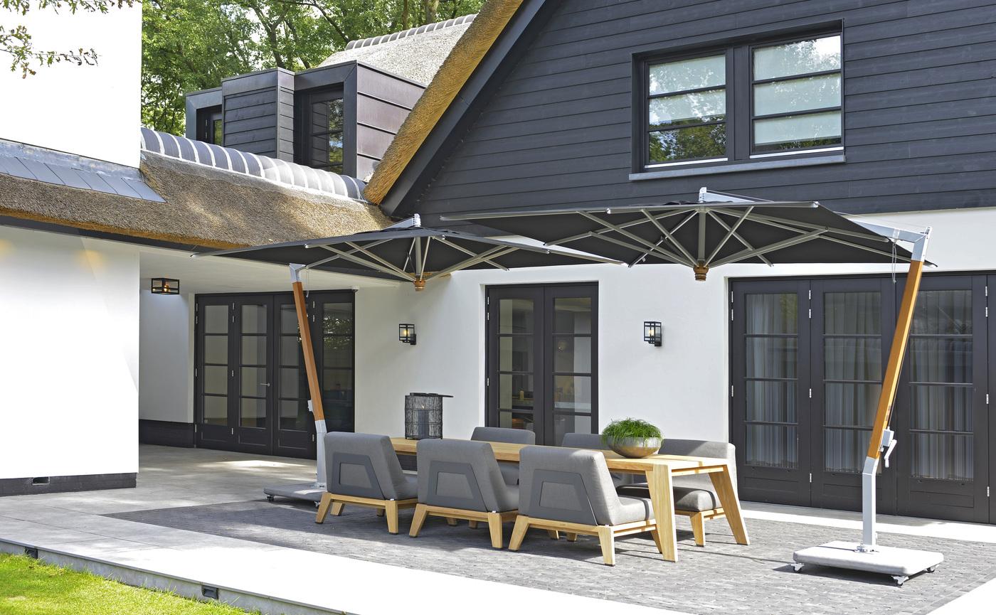 2020 Borek Teak Hybrid low dining chair anthracite & table Frans van Rens - Parasols Ischia 280x280 teak silver black.jpg