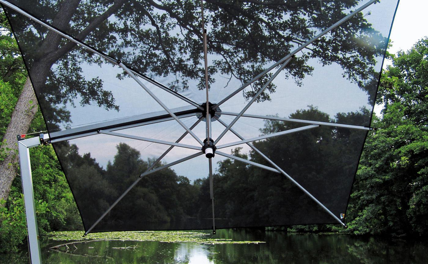 Borek side post Ischia parasol detail.jpg