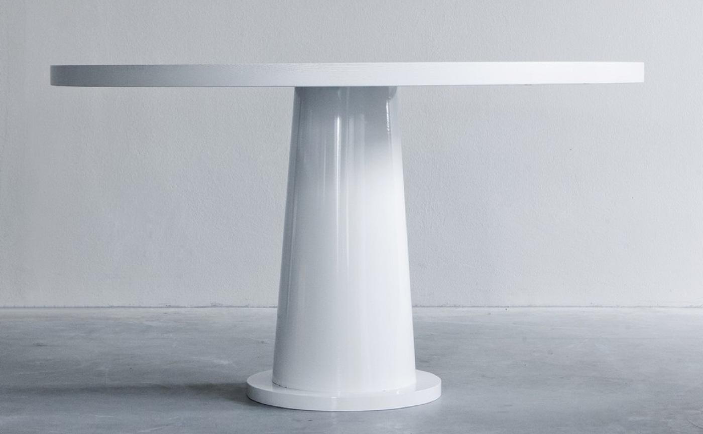 Kops round table with steel base (2) groot.jpg