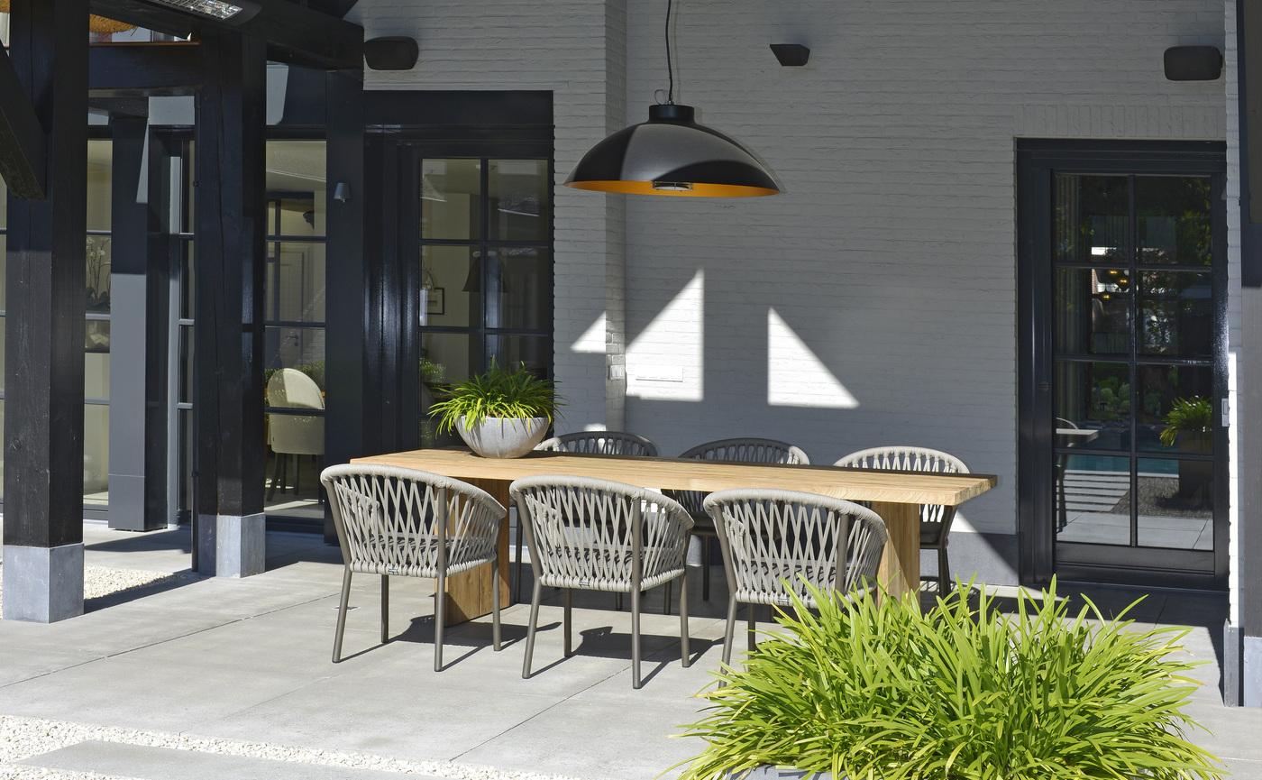 2019 Borek Ardenza belt Majinto Studio Borek - Reclaimed teak Sevilla table Studio Borek.jpg