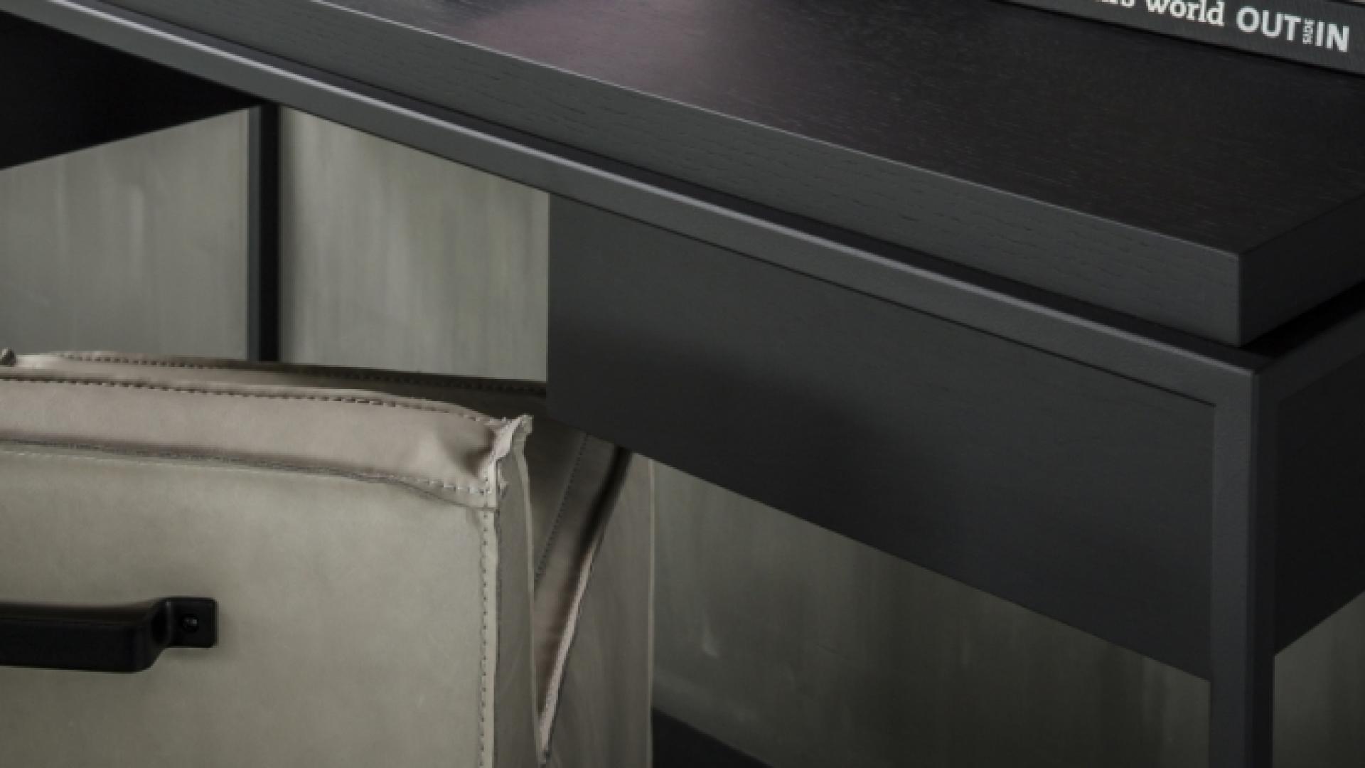 Nilson_Beds_Menton_desk_detail.jpg