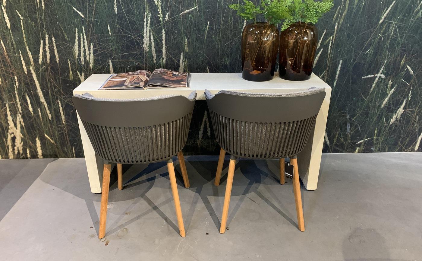 IMG-2889 net echt tafel+stoeltjes.jpg