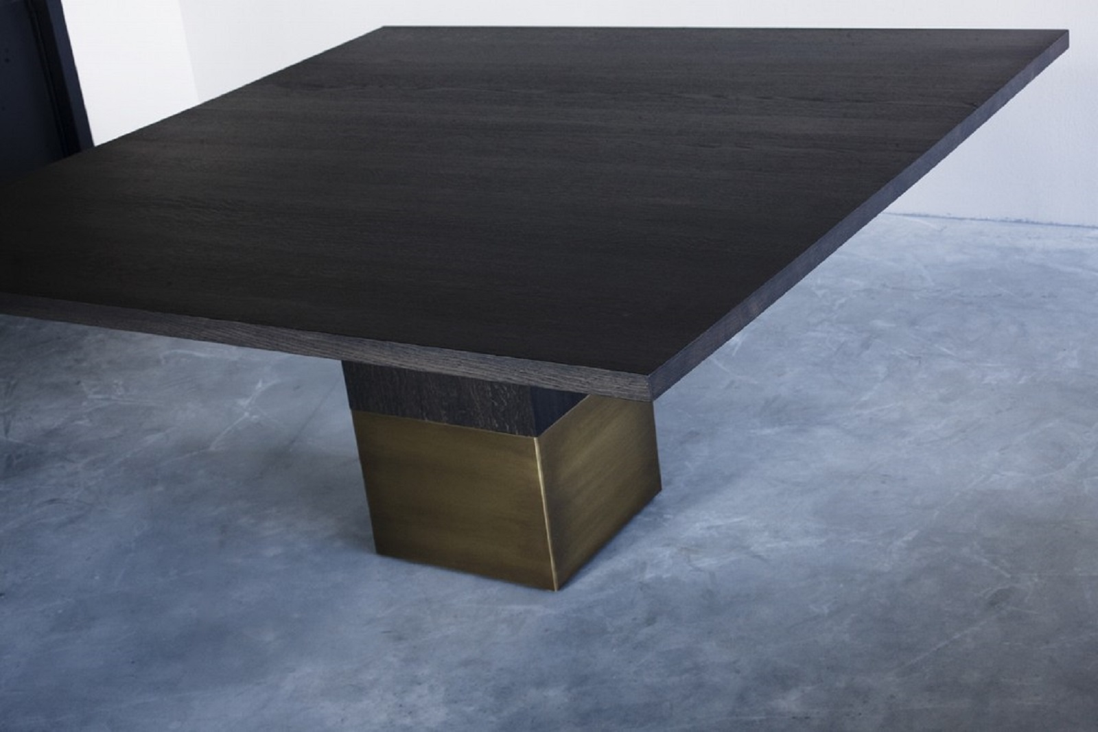 Nota Bene square table (3) groot.jpg