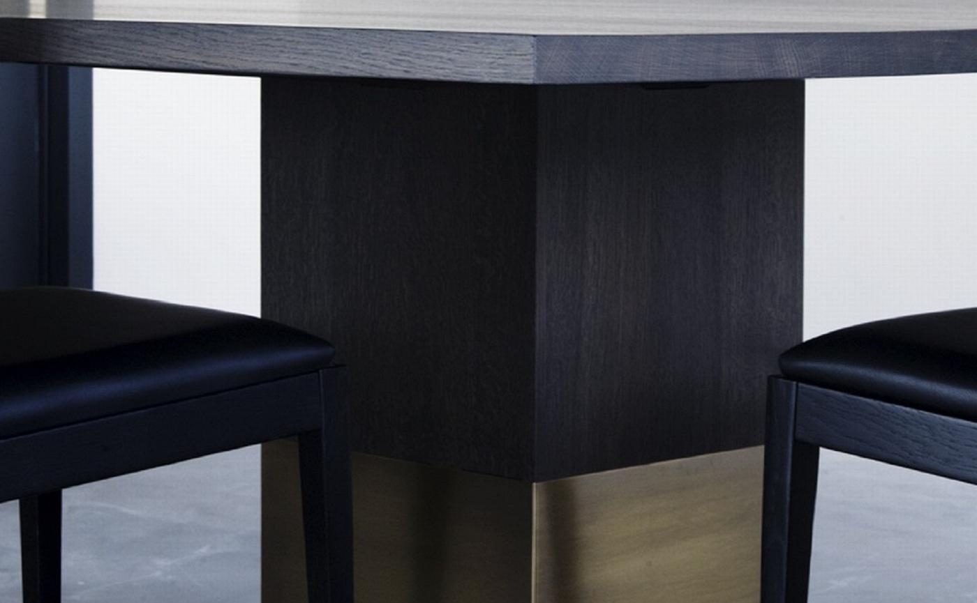 Nota Bene square table (2) groot.jpg