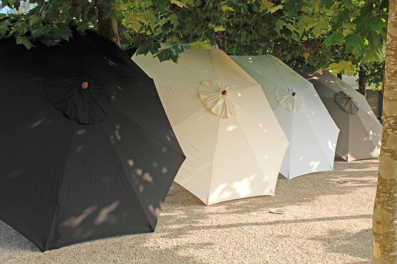 Borek wooden parasol lugano.jpg