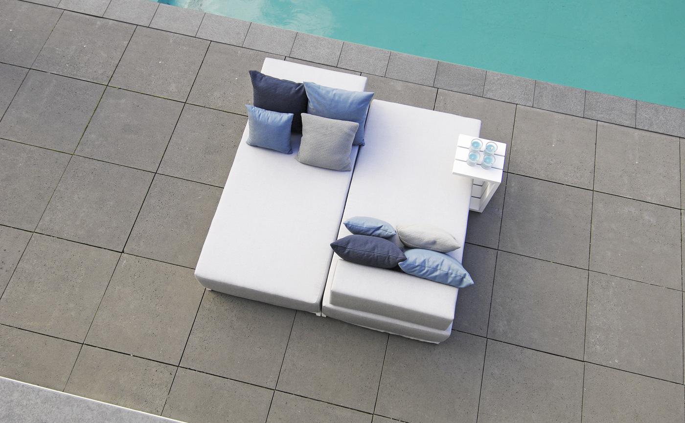 Borek aluminium Samos day-dream and side table.jpg