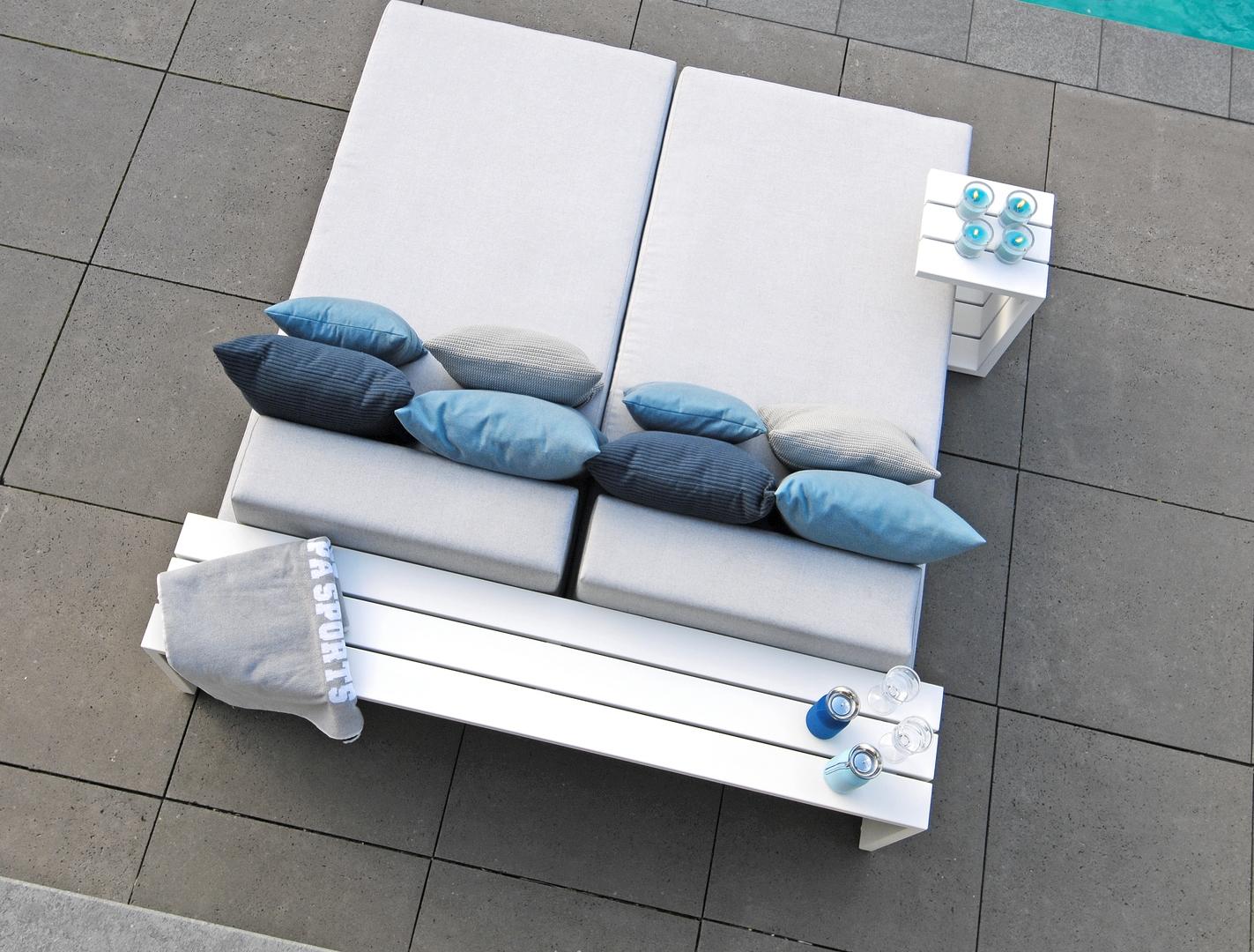 Borek aluminium Samos day-dream side table and coffee table-1.jpg