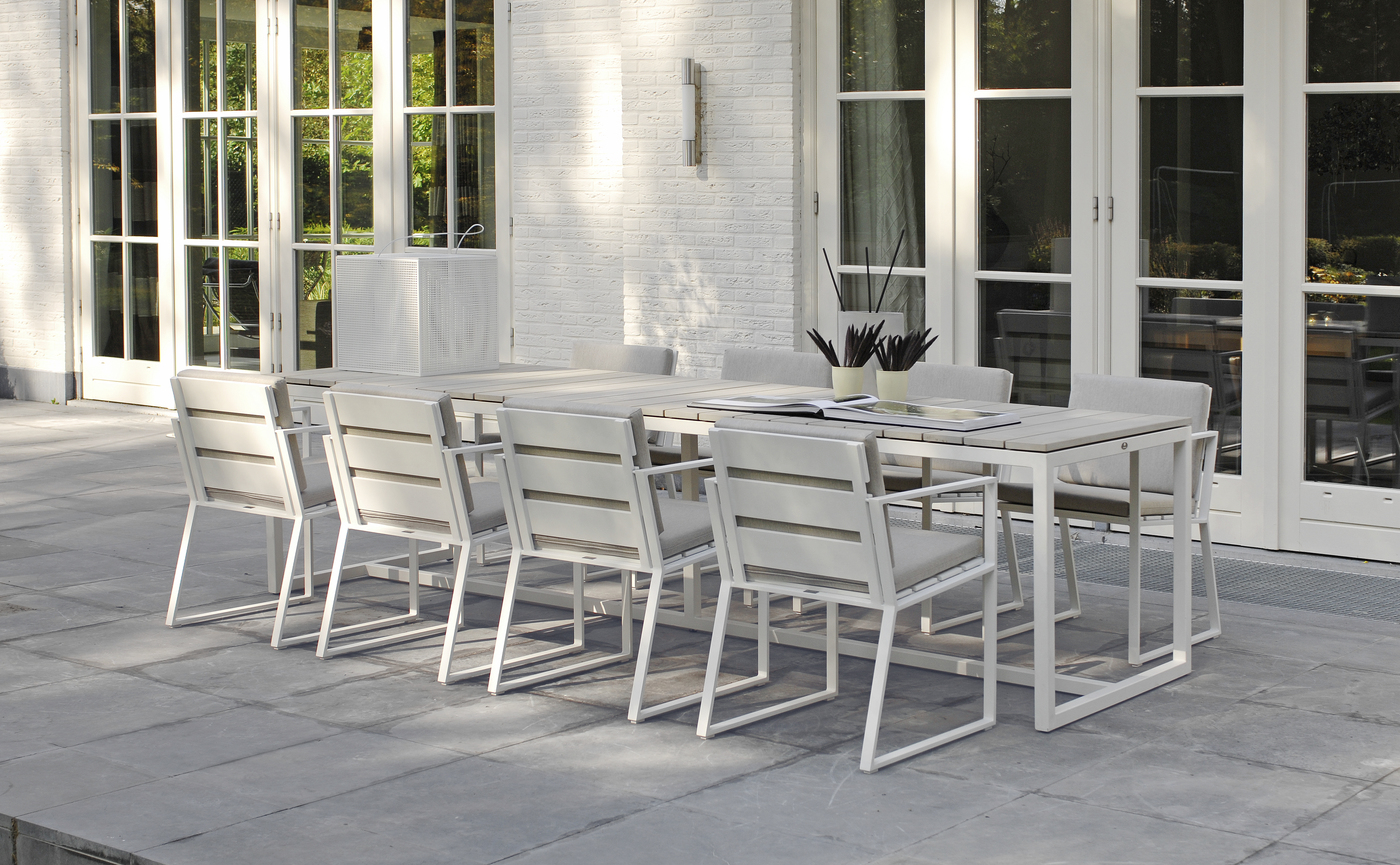 Borek Aluminium Samos chair Venice table-1.jpg