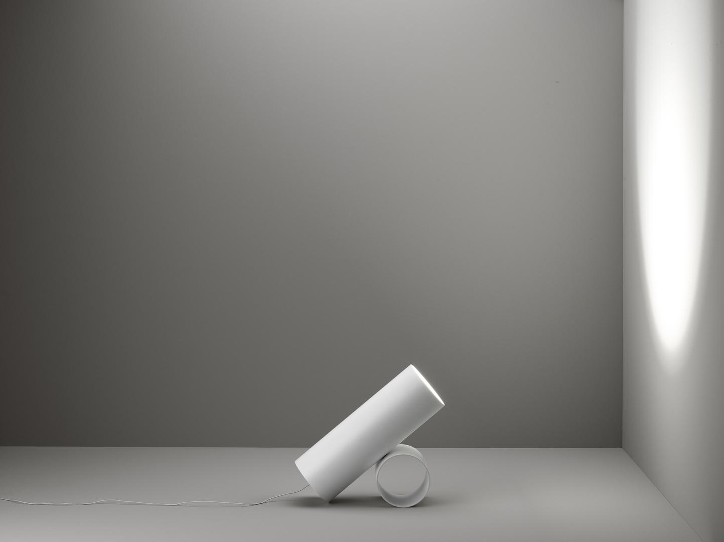 Savaru_bianco_su_fondo_posizione_B[1].jpg
