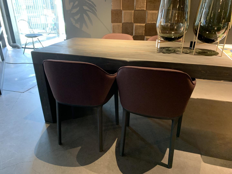 IMG-2901 vitra flow chairs.jpg