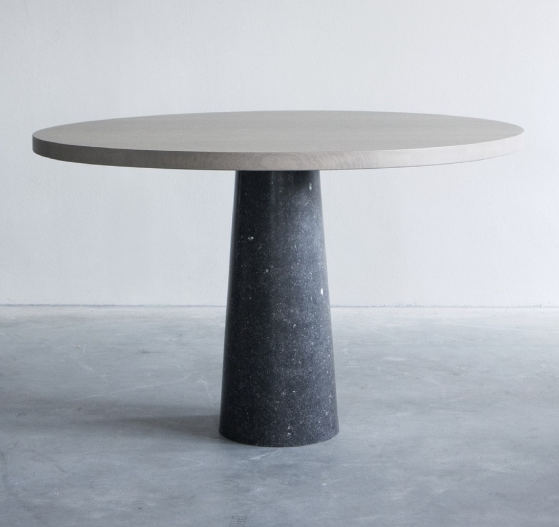 Stone table with Belgian blue limestone (1) groot.jpg