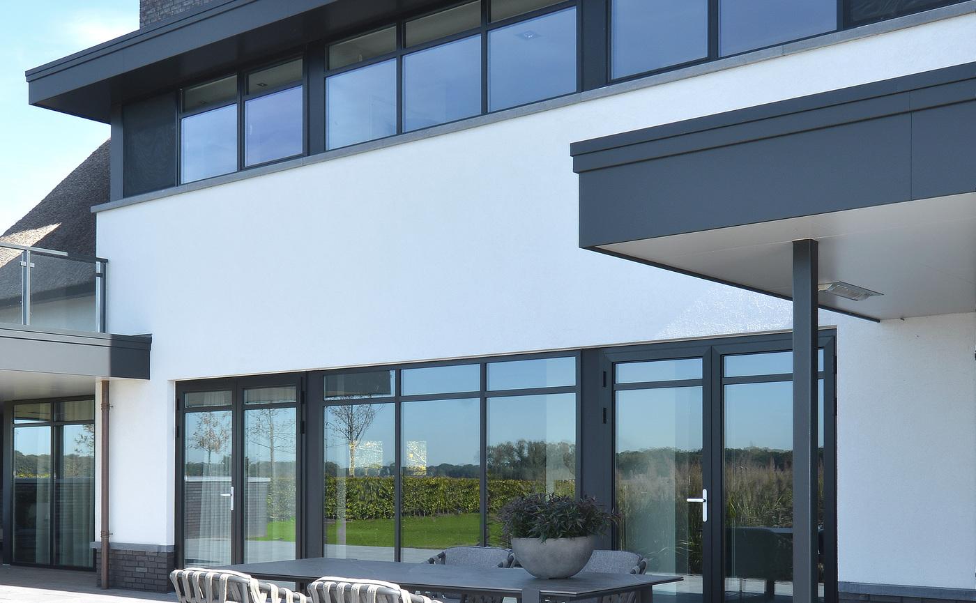 2019 Borek Ardenza belt Tavira chair Studio Borek - Dekton Faro table Bertram Beerbaum (panorama).jpg