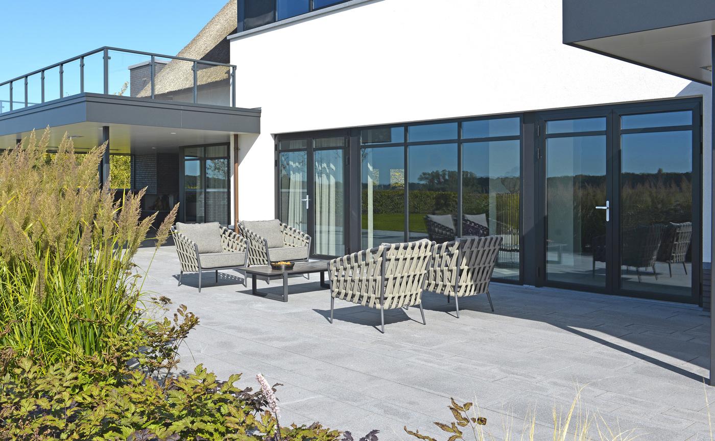 2019 Borek Ardenza belt Tavira lounge chair & sofa Studio Borek - Dekton Faro coffee table Bertram Beerbaum.jpg
