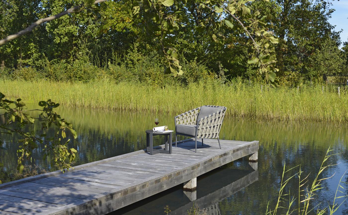 2019 Borek Ardenza belt Tavira lounge chair Studio Borek - Dekton Faro side table Bertram Beerbaum (panorama) (1).jpg