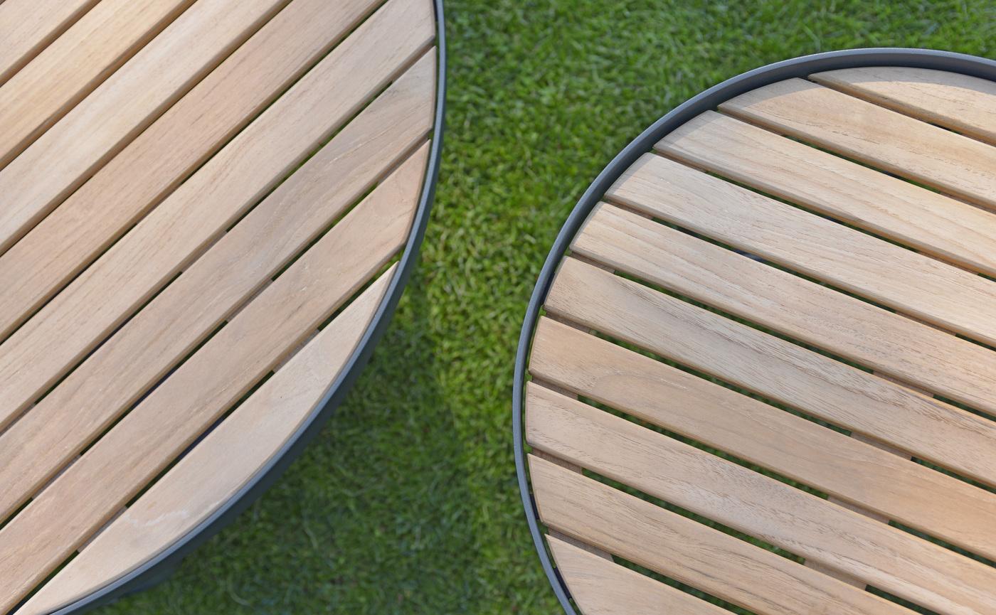 2017 Borek teak alu Pesaro side and coffee table detailfoto.jpg