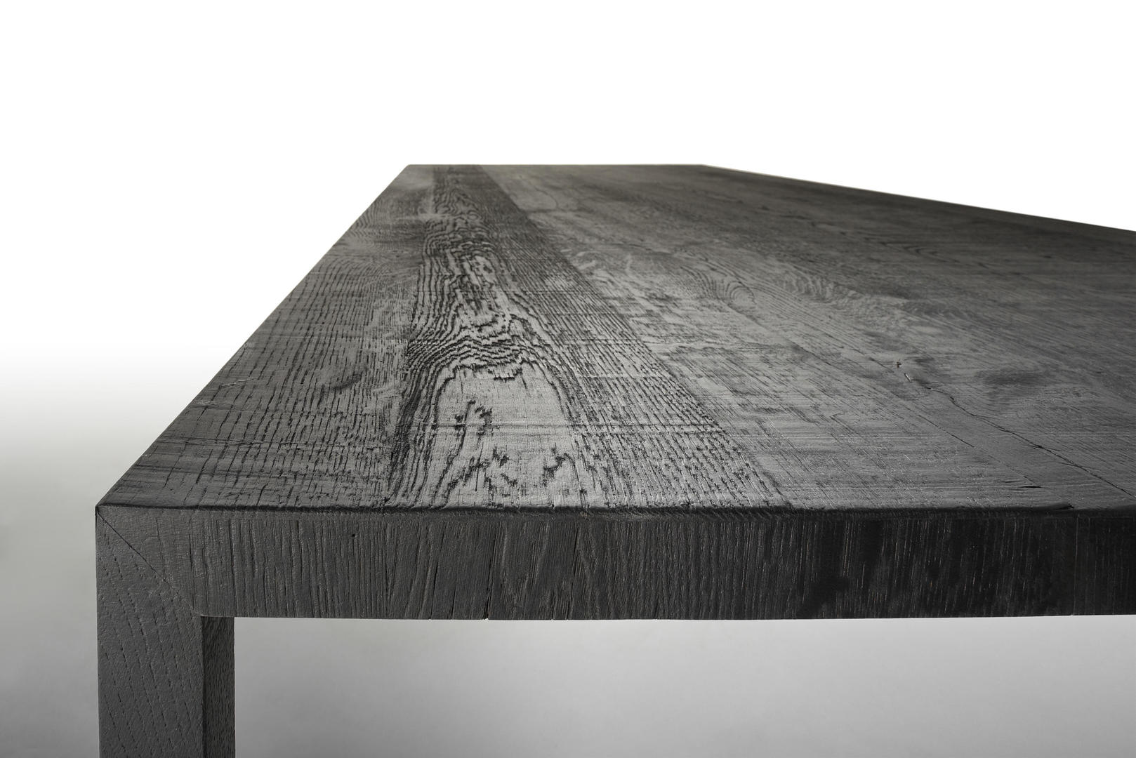 MDF Italia Tense table carbone oak Hora Barneveld 1.jpg