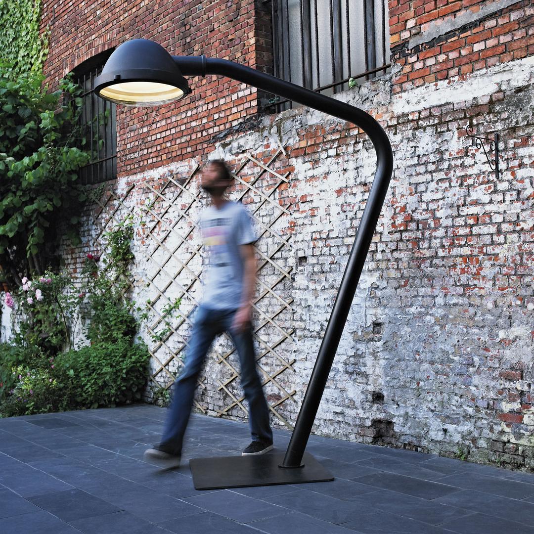 Jacco Maris outsider floor lamp impression 01.jpg