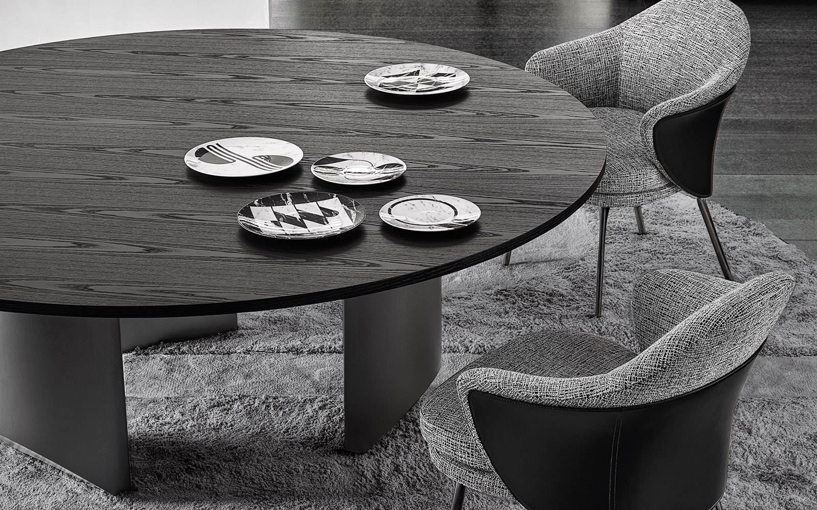 Wedge table dining minotti 4.jpg
