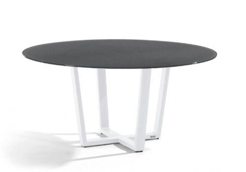 Fuse round dining table