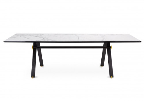 Maat dining table