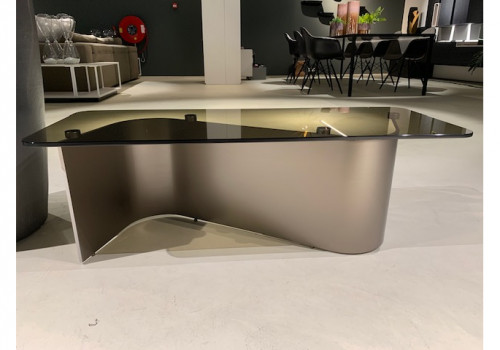 Minotti  Bender sidetable