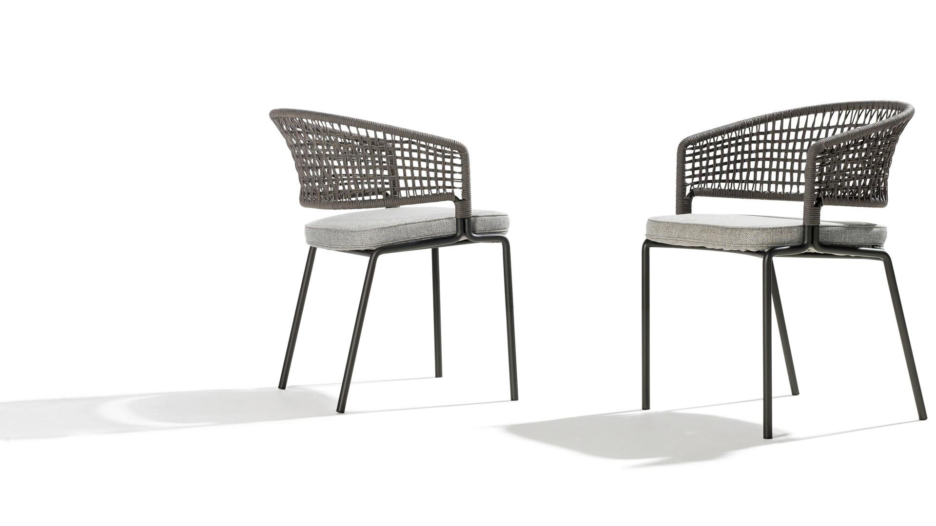 Contour armchair web.jpg