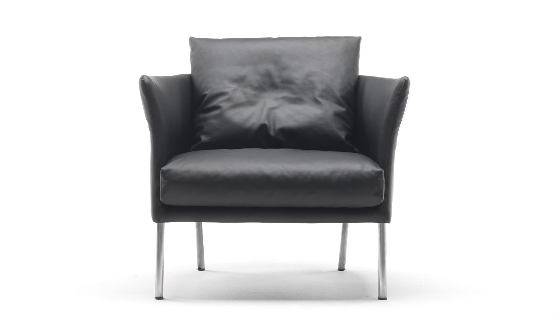 curve armchair 2.jpg