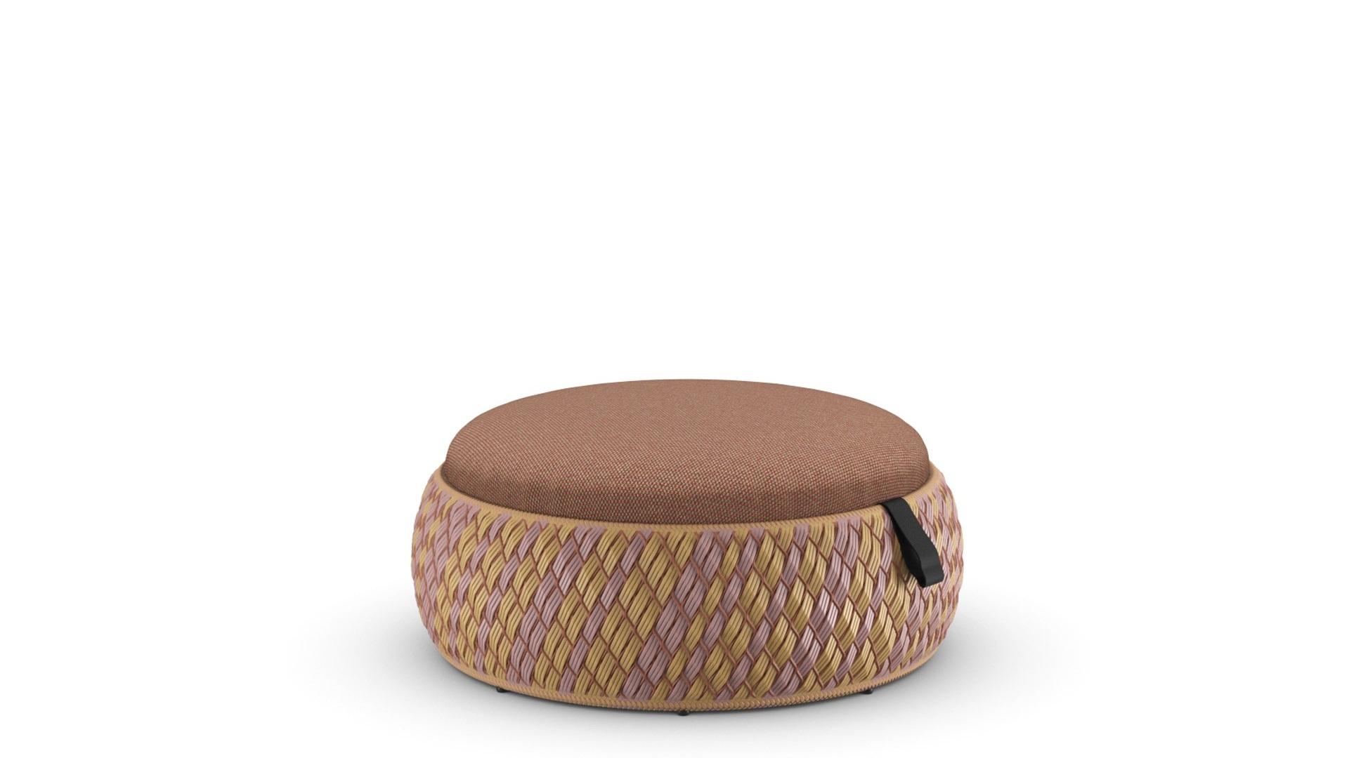 DEDON-DALA-Footstool-cuba-cool-marsala.jpg