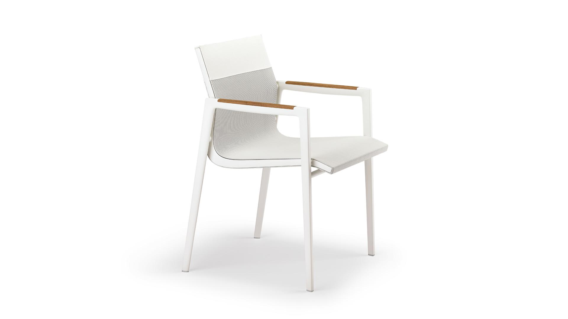 DEDON-DEAN-Armchair-white-1920x1266px.jpg