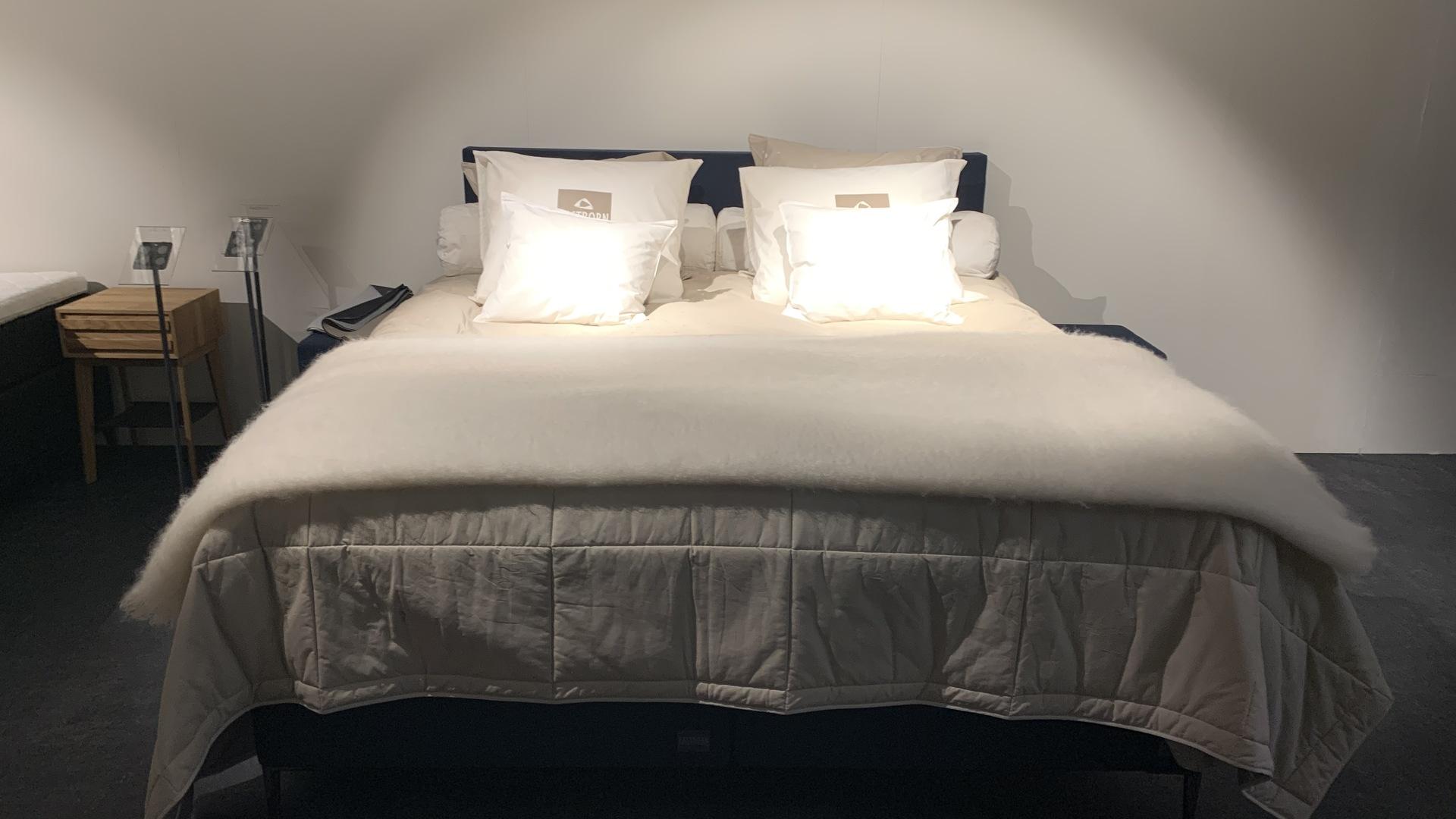 IMG-3206 (002).jpg eastborn bed.jpg