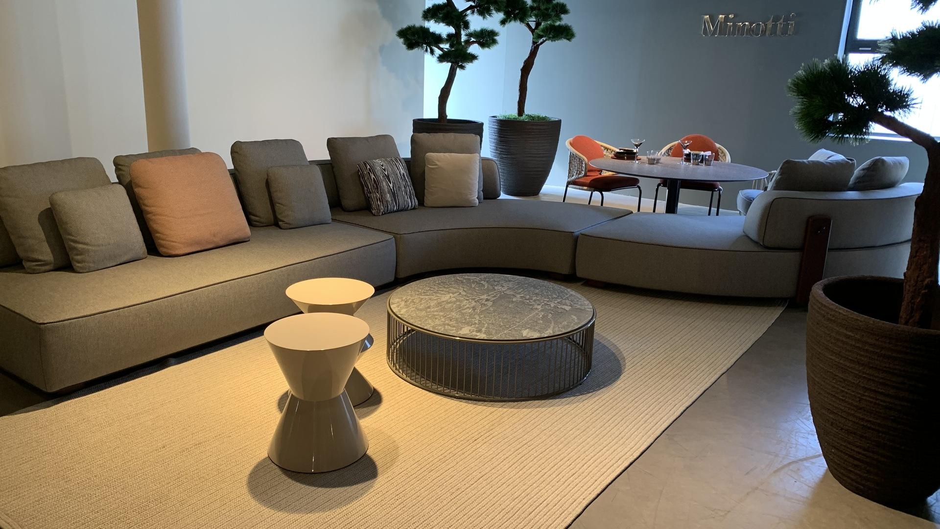 IMG-2895 florida lounge.jpg