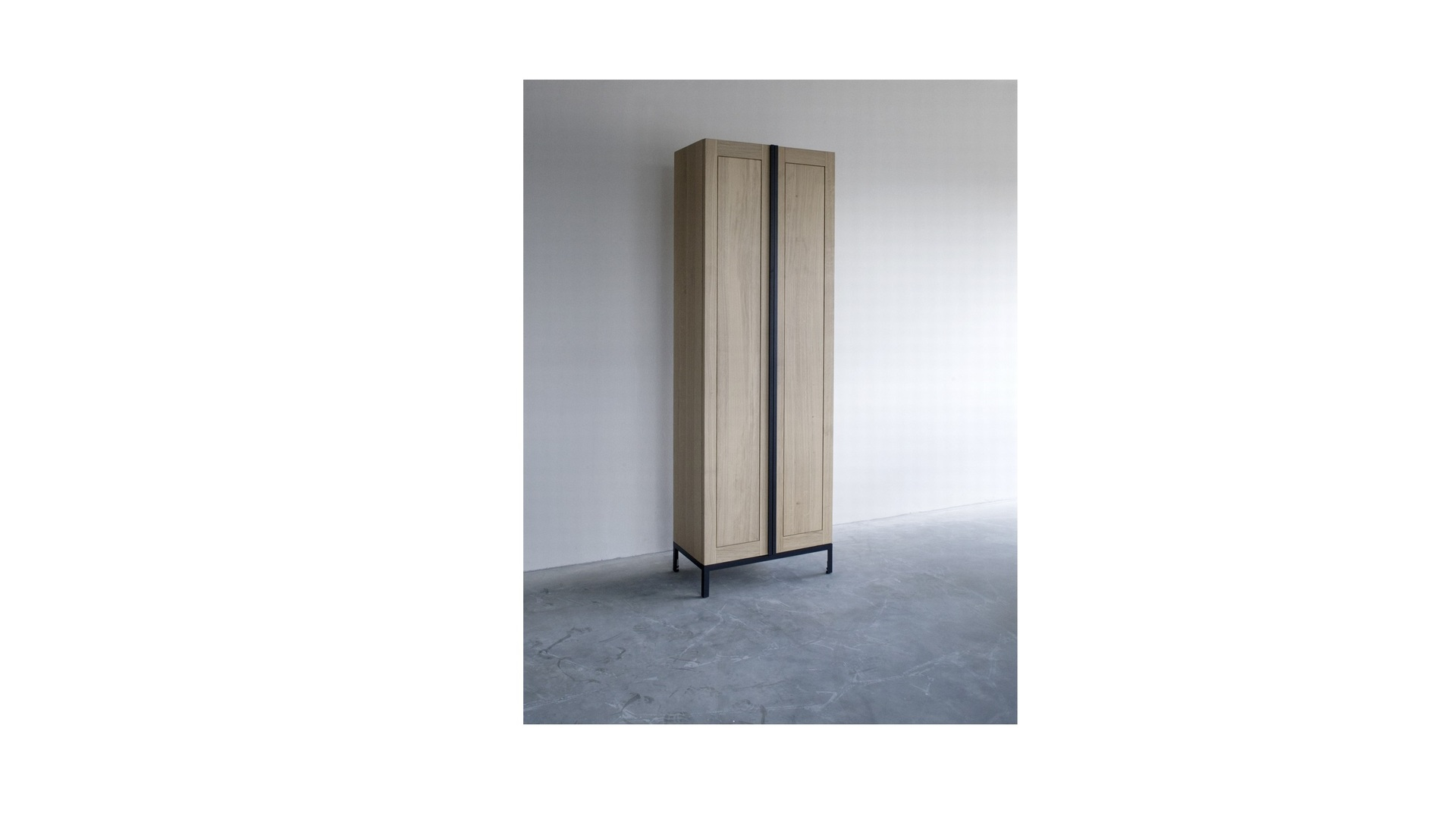 Greep cabinet (2).jpg klein.jpg